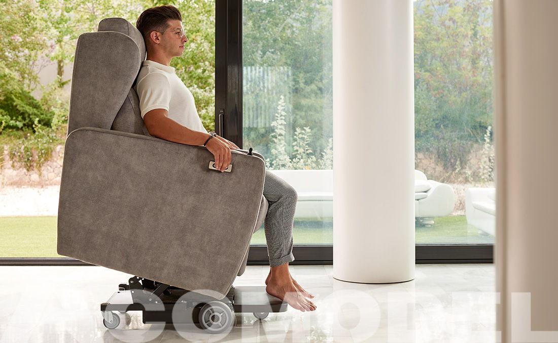 sillón de acomodel con joystick